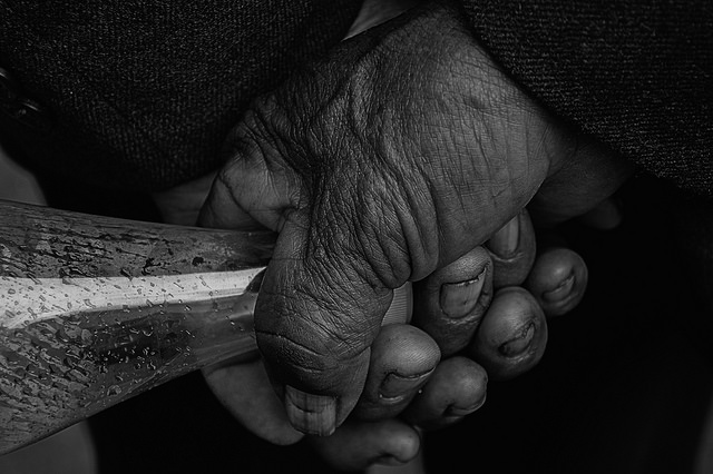 Hands of a homeless man in the downtown of Quito (Fabricio Angulo, Flickr Creative Commons)